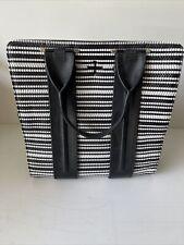 Pour La Victoire Black/white Women's Handbag
