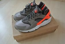★★2013 NIKE AIR HUARACHE LE 42 + NEU + CRIMSON SPORT GREY 318429-080★★★★★★★★