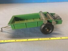 Vintage Tru-Scale Diecast Metal Toy Farm Manure Spreader w solid rubber tires