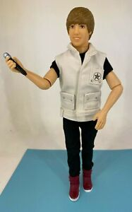"""Justin Bieber - Celebrity Music - Singing """"Somebody to Love"""" - Toy Doll"""
