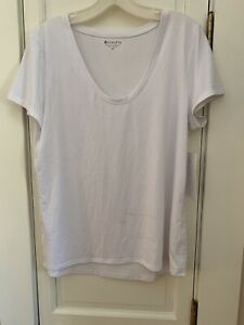 Spring NEW w/ TAGS COMFY ATHLETIC Essence Vital Tee Top ATHLETA Size L Petite