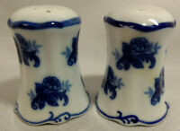 CHINESE Porcelain Hand Painted Flow Blue Floral SALT And PEPPER SHAKERS