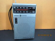 Vintage GE AM/FM Portable Transistor Radio Model 7-2582A