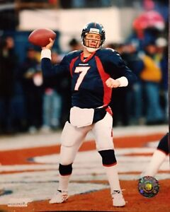 JOHN ELWAY Denver Broncos 8X10 ACTION PHOTO #2  Denver Broncos