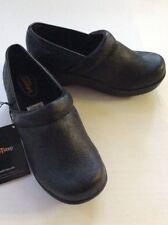 SafeTstep Women's Nursing Shoes GRETCHEN Black Paisley Clogs Slip Resistant 6.5