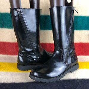 UGG Australia Amilia Black Patent Leather Mid Calf Boots Sz 6 US C067