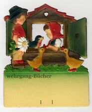 Junge und Mädchen mit Haus, Kalenderaufhänger um 1940, geprägte/ Dresdner Pappe