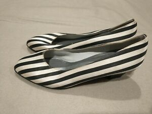 MAGLI Made in Italy Womens Black White Fabric Block Heels Shoes Size 6 MSRP $170
