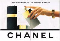 Publicité Advertising 1989 (2 pages ) Vaporisateurs Parfum N°5 et N°19 Chanel