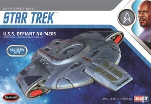 Polar Lights USS Defiant NX-74205 1/1000 Snap Assembly Model Kit