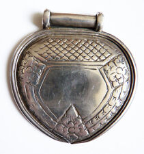 Pendentif ancien en argent massif  Bijou ethnique  Maghreb silver pendant