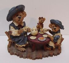 1999 Boyds Figurine Catherine and Caitlin Berriweather with Little Scruff Family