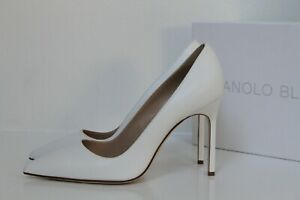 New sz 8.5 / 39 Manolo Blahnik BB Classic White Leather Pointed Toe Pump Shoes