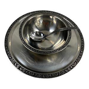 Oneida Custom Stainless Steel Plate Bowl Spoon Set Floral Leaf Trim Design