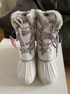 Ladies/girl white Snow Boots