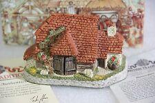 David Winter Harvest Barn 1989 with Box & Paperwork