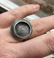 Unique! Vintage .925 Sterling Silver Ring with Swirl Design - Size 7