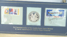 MEDAILLE COMMEMORATIVE ARGENT MASSIF - ESPACE - APOLLO-SOYOUZ 1975 + 2 TIMBRES