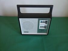 Radio portatile SOLAR AM SOLID STATE Battery Electric Vintage Portable WORKS !
