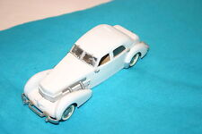 1/43 1937 CORD BEVERLY SEDAN WHITE SAMS TAN INTERIOR WHITE METAL BUILD NO BOX