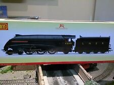 Hornby R3441 NE wartime black class A4 locomotive 4499 Sir Murrough Wilson BNIB