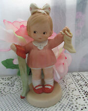 THE LONG AND SHORT OF IT  ~SOCKS  ~ FIGURINE Memories of Yesterday 1989 ENESCO