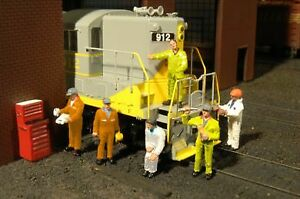 Bachmann 33163 O Mechanics Figures (Set of 6)