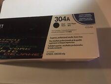 GENUINE NEW  HP CC530A 304A BLACK laserjet TONER CARTRIDGE CP2025 open box