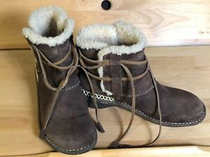 UGG 5178 COVE Sheepskin Brown Suede Leather Women's Winter Ankle Boots Sz 10