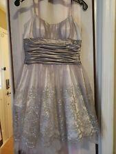 Morgan & Co. Women's grey Lace Sequined Formal Dress Juniors Size 5/6 short
