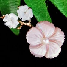 Carved Natural White Shell Pearl Flower Pendant Bead Brooch D93713