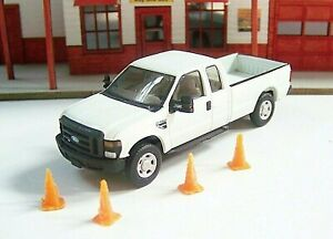 HO RIVER POINT STATION Ford SUPER CAB F-250 Truck with FOUR SAFETY CONES