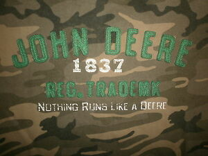 JOHN DEERE CAMO T SHIRT Tractor Farmer Nothing Runs Like Camouflage Sewn Youth L