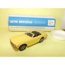 TRIUMPH TR6 Jaune KIT AUTO REPLICAS Type BROOKLIN 1:43