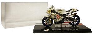 IXO/Altaya ALT08 Aprilia RS3 MotoGP 2004 - Jeremy McWilliams 1/24 Scale