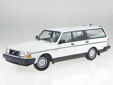 Volvo 240 GL Break 1986 weiss Modellauto 155171412 Minichamps 1:18
