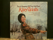 KITTY WELLS  They're Stepping All Over My Heart  LP   Sample copy    Great !