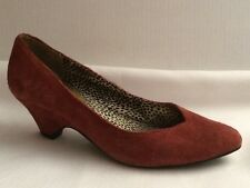 Bc Footwear Womens 8.5 M Wedge Pump Heel Shoes Mauve Red Suede Leather Point Toe