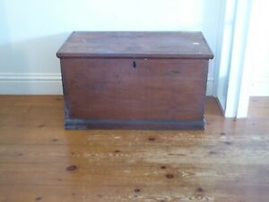 Vintage Mid Century Pine Chest , Blanket Box, Coffee Table. 80cm x 45cm x 44cm