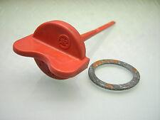 YAMAHA REF: 583-21771-00 RED OIL TANK FRAME BODY CAP DIP STICK + GASKET XT 500