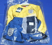 BNWT England Umbro Full Goalkeeper Kit Stunning Shirt Shorts Socks 2 Year Old
