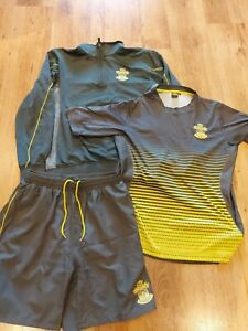 Southampton FC  Training Kit - Shirt,sweatshirt & Shorts - XL