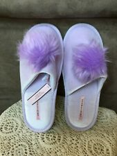 VICTORIA'S SECRET WOMENS LILAC POM POM HOUSE SLIPPERS SIZE MEDIUM(US 7-8)
