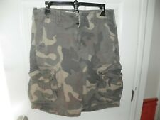 AMERICA EAGLE OUTFITTERS CAMO CARGO SHORTS SIZE 30