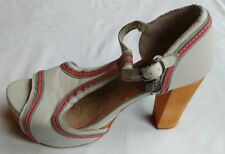 Feud Womens Ladies White Leather Platform T-Bar Sandals Shoes Size 5/38 Used