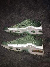 Women's Nike Tns Mint Green Satin. US 4.5