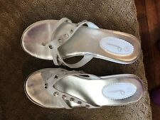 Innocence White Decorative Sandals with Heel in Girls Size 4 1/2