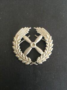 EAST GERMAN (DDR) . PILOT OFFICER CAP BADGE -:- VERY NICE ORIGINAL CONDITION.