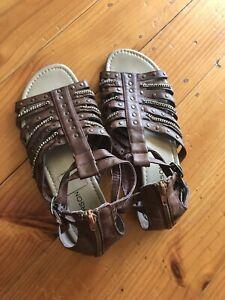 Emerson Size 8 Sandals Flats Brown