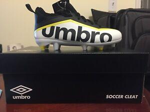 Umbro Pivot Soccer Cleat Unisex Size Youth 2